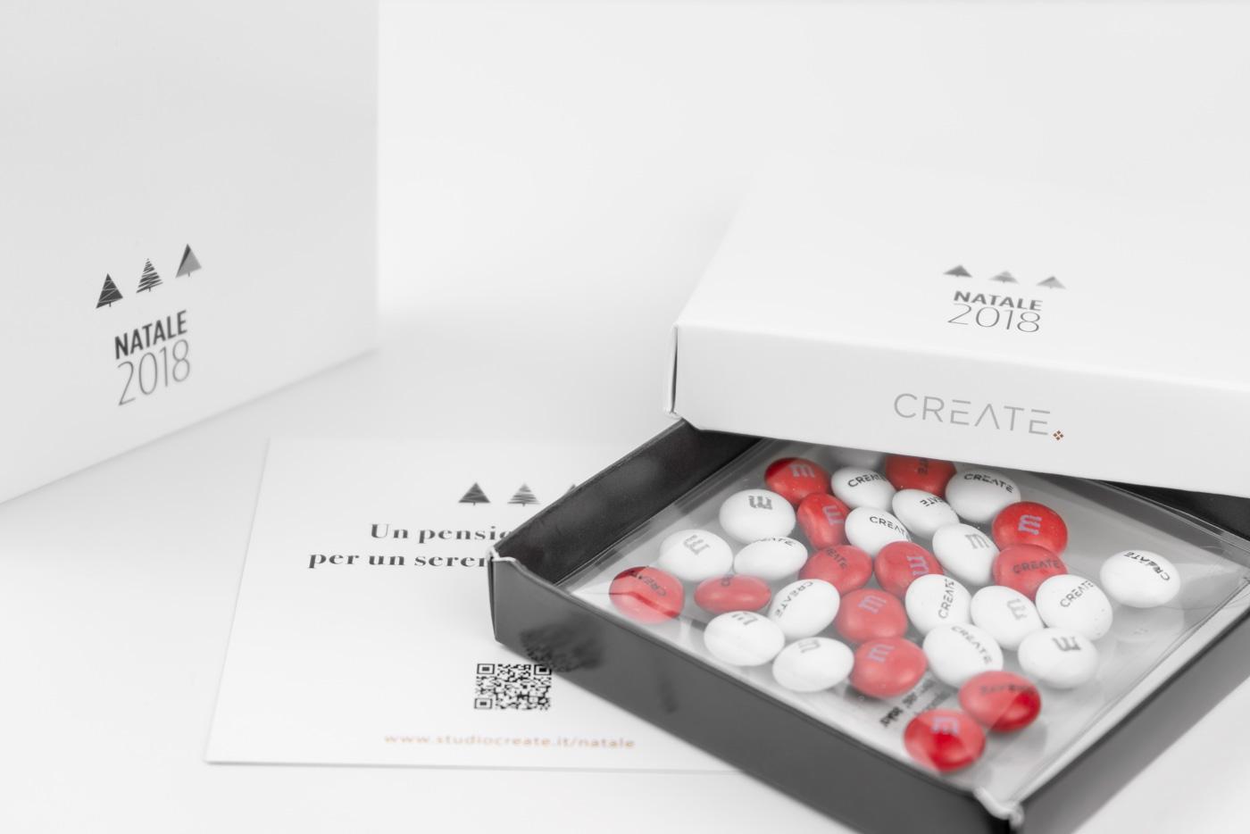 packaging aziendale con m&m's personalizzati